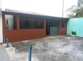 Casa 02 Dorm. Rua Fechada